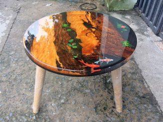 Круглый стол из эпоксидной смолы