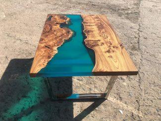Маленький стол из карагача и эпоксидной смолы - 9